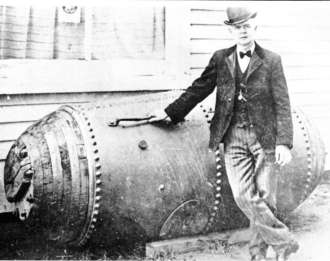 Bobby Leach and his barrel. 1911