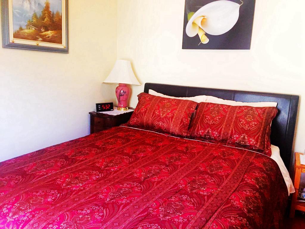 Acacia Bed And Breakfast Niagara Falls Bed And Breakfast