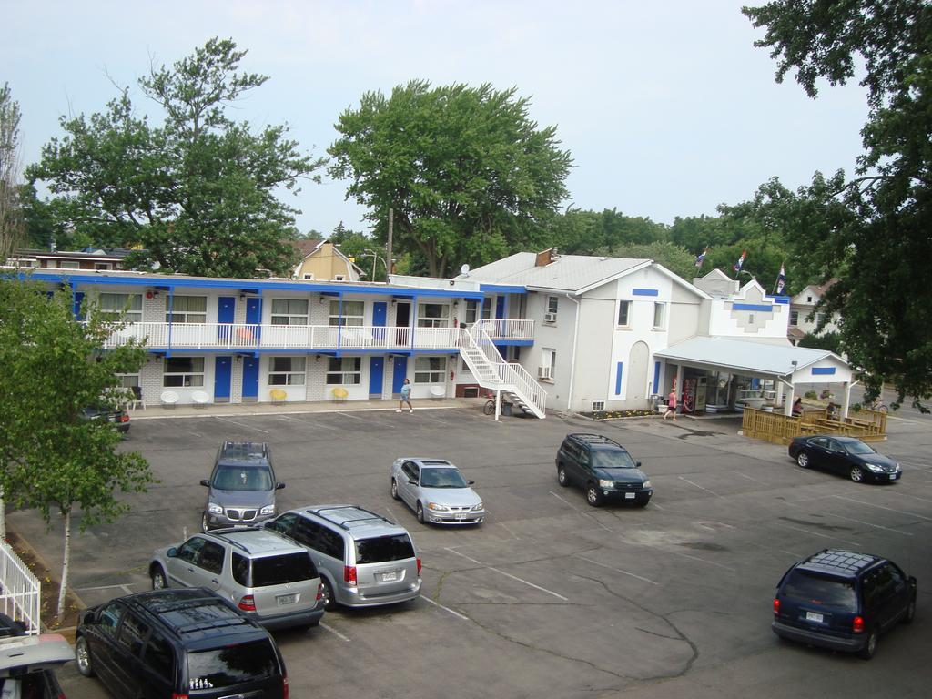 Back Country Inn Motel