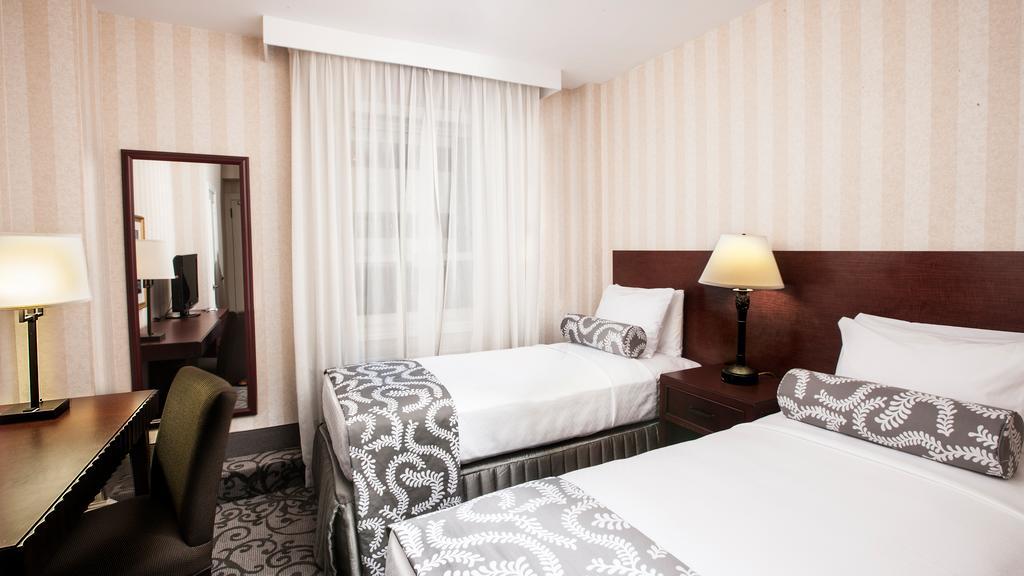Hotel Rooms Overlooking Niagara Falls