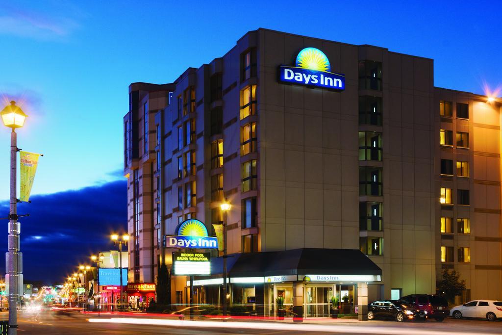 Niagara Falls Hotels With Free Breakfast