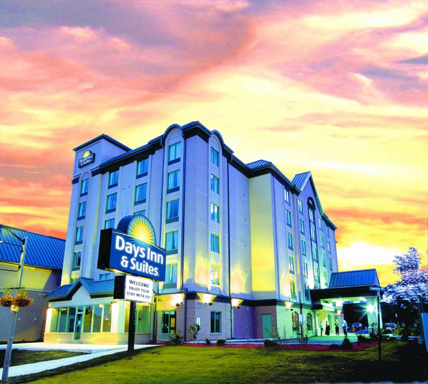 Days Inn & Suites - Niagara Falls, Centre St., By the Falls