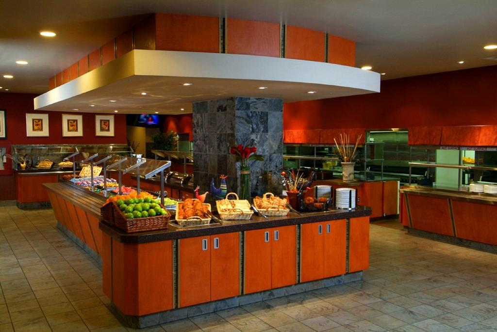 Niagara Falls Hotels With Free Breakfast