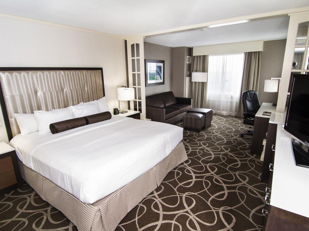 Hilton Hotel And Suites Niagara Falls Fallsview Niagara