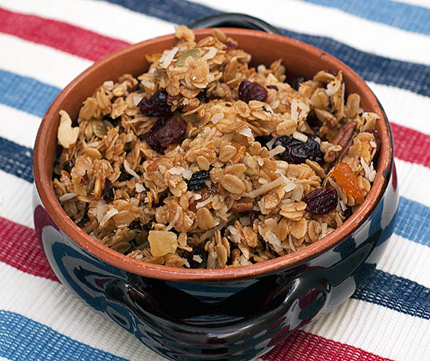 mixed fruit granola