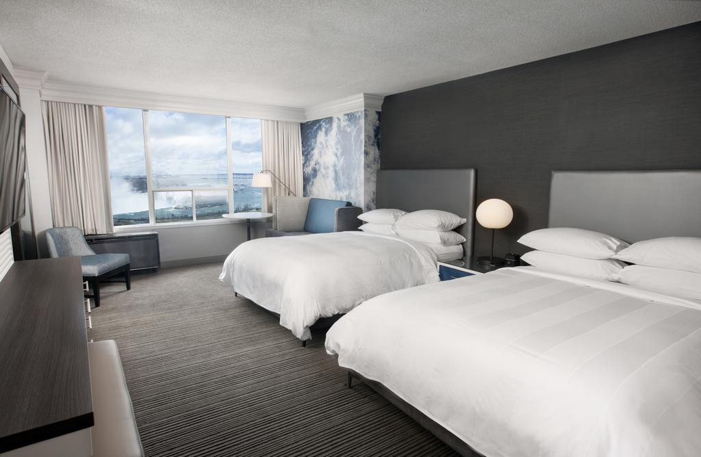 Large Hotel Rooms Niagara Falls