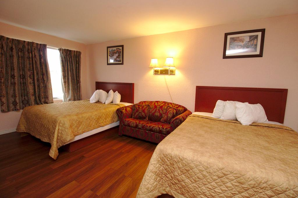 Niagara Lodge & Suites