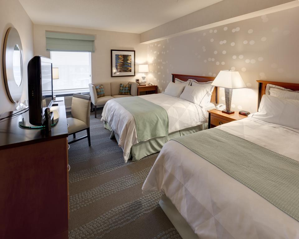 Radisson Hotel Amp Suites Fallsview Niagara Falls Hotels