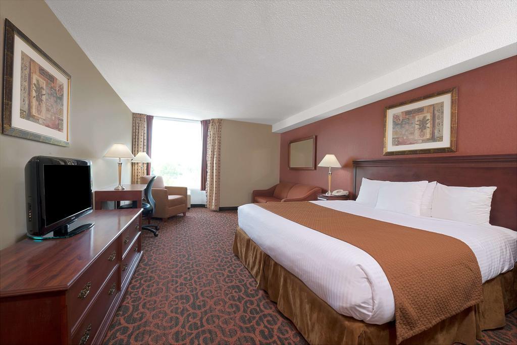 Ramada Hotel – Niagara Falls Fallsview