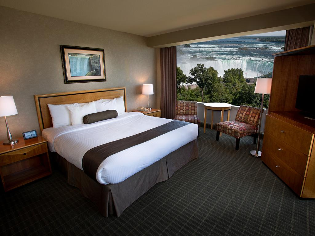 Oakes Hotel Overlooking The Falls Reviews