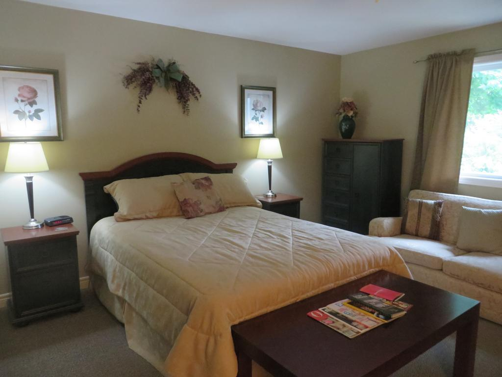 Villa Gardenia Bed And Breakfast, Ontario, Canada
