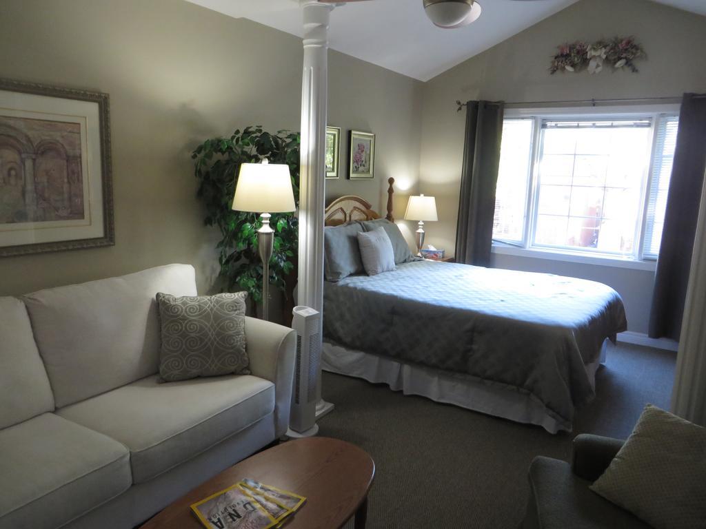 Villa Gardenia Bed & Breakfast-9