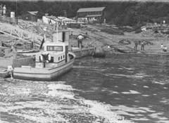 An early photograph of the Maid of the Mist Landing