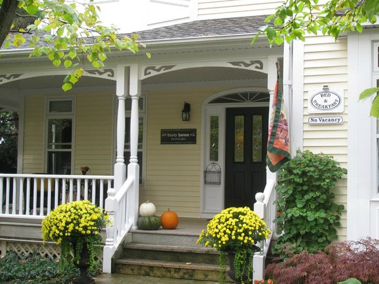 two bees bed and breakfast niagara on the lake